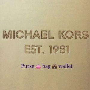 100% authentic,New Michael Kors purse/bag/wallet